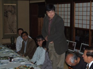 渡辺和郎さんを囲んでの懇親会の様子